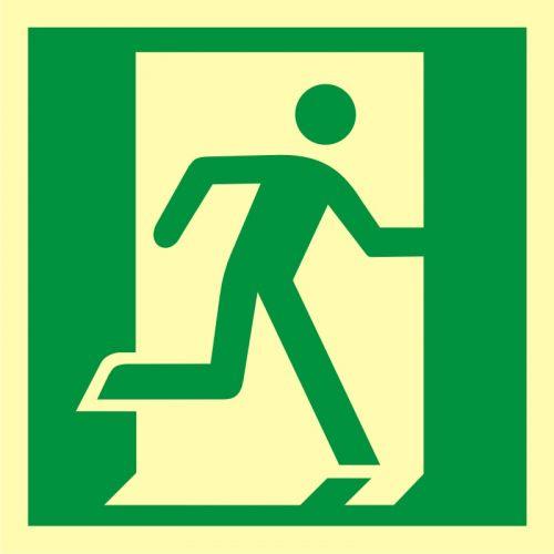 AA009 - Drzwi ewakuacyjne - znak ewakuacyjny - Stara czy nowa norma? Jakie znaki bezpieczeństwa wybrać?