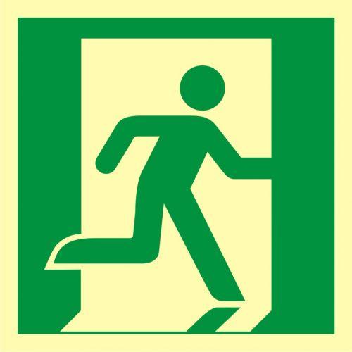 AAE002 - Wyjście ewakuacyjne (prawostronne) - znak ewakuacyjny - Stara czy nowa norma? Jakie znaki bezpieczeństwa wybrać?