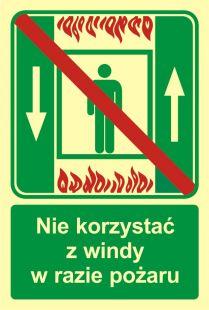 AC035 - Zakaz korzystania z windy osobowej w razie pożaru - znak ewakuacyjny