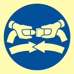 FC001 - Zapiąć pasy bezpieczeństwa - znak morski
