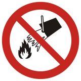 GAP011 - Zakaz gaszenia wodą - znak bhp zakazujący - Substancje łatwopalne – piktogramy CLP