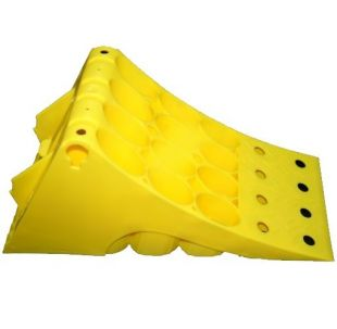 Klin blokada pod koła - żółta szerokość 16cm