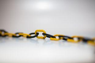 Łańcuch odgradzający czarno - żółty; dł. 1m