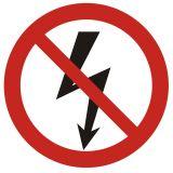 Nie załączać urządzeń elektrycznych - znak bhp zakazujący - GB005 - Zasady stosowania znaków bezpieczeństwa