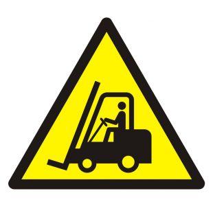 Ostrzeżenie przed urządzeniami do transportu poziomego - znak bhp ostrzegający - GDW014