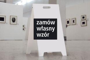 Stojak ze znakami potykacz dowolny nadruk 30x42 cm