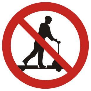 Zakaz jazdy na urządzeniach transportowych - znak bhp zakazujący - GB001