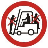 Zakaz przewozu osób na urządzeniach transportowych 1 - znak bhp zakazujący - GB002 - Transport wewnętrzny – BHP