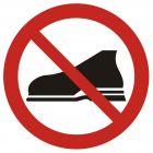 Zakaz wejścia w obuwiu zewnętrznym - znak bhp zakazujący - GB009