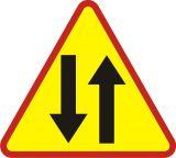 Znak A-20 Odcinek jezdni o ruchu dwukierunkowym - drogowy ostrzegawczy - Znaki ostrzegawcze – znaki drogowe, cz. I