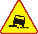 Znak A-31 Niebezpieczne pobocze - drogowy ostrzegawczy - Oznakowanie na czas robót drogowych