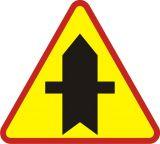 Znak A-6a Skrzyżowanie z drogą podporządkowaną występującą po obu stronach - drogowy ostrzegawczy - Znak stop (znak zakazu B-20)