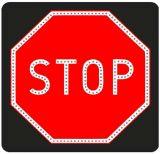 Znak aktywny drogowy B-20 STOP! - pełny LED - Krzyż św. Andrzeja a przepisy, znaczenie i wymiary – co warto wiedzieć?