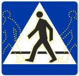 Znak aktywny drogowy D-6 D-6a D-6b przejście dla pieszych, rowerzystów - kroczący ludzik - Bezpieczne przejście dla pieszych – jak należy się zachować na zebrze?