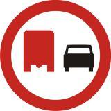Znak B-26 Zakaz wyprzedzania przez samochody ciężarowe - drogowy zakazu - Zakaz wyprzedzania – znak B-25 i B-26
