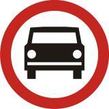 Znak B-3 Zakaz wjazdu pojazdów silnikowych z wyjątkiem motocykli jednośladowych - drogowy zakazu - Zakaz wjazdu dla różnych pojazdów