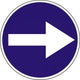 Znak C-1 Nakaz jazdy w prawo przed znakiem - drogowy nakazu - Zakaz ruchu w obu kierunkach – znak B-1