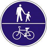 Znak C-16/13 - poziomo - Znak wskazujący ruch pieszych i rowerów na tej samej drodze - drogowy nakazu - Ruch pieszych wzdłuż drogi