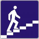 Znak D-36 Przejście nadziemne dla pieszych - drogowa tablica informacyjna - Bezpieczne przejście dla pieszych – jak należy się zachować na zebrze?
