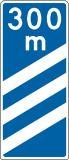 Znak F-14a Znak prowadzący do początku pasa prowadzącego do wyjazdu z autostrady - drogowy uzupełniający - Znaki uzupełniające – znaki drogowe, cz. VII