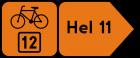 Drogowskaz szlaku rowerowego w kształcie strzały podający odległość R-4d